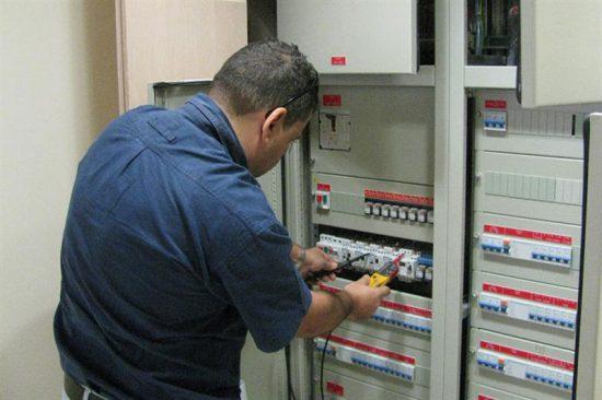 תקלות נפוצות בלוח החשמל